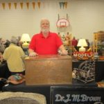 A Tick In Tyme Antiques & Collectible - Holly & Ken Newland, Bloomfield