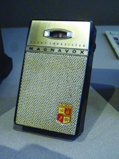 A working early '60s transistor radio that fetched $10