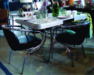 Nice mid-centiury table, chrome chairs included in price of only $175. Call Tanya Baldwin at 613-243-4444