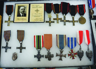 Collection of Polish Medals, Adam Jackowski Tel: 416 917 1119 email feniks@teksavvy.com